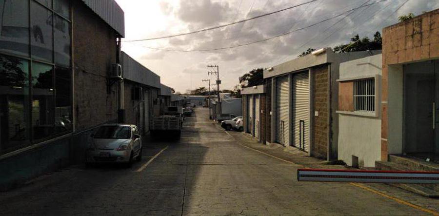 Foto Local en Renta en  Alfredo V Bonfil,  Cancún  BODEGA EN RENTA DE  25 M2 EN CANCUN EN AVE. COLOSIO EN PARQUE INDUSTRIAL GAIA