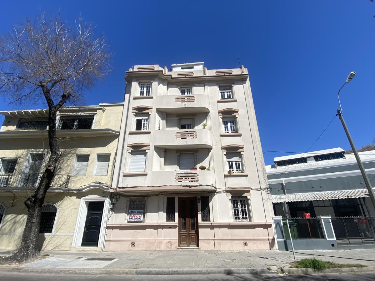 Foto Apartamento en Venta en  Pocitos ,  Montevideo  Guayaqui y Libertad