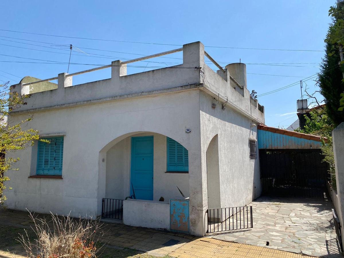 Foto Casa en Venta en  Castelar Norte,  Castelar  Sarrachaga al 2900