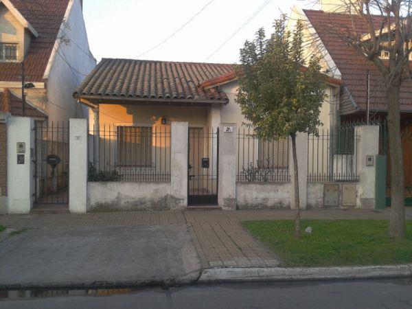 Foto Casa en Alquiler en  Temperley,  Lomas De Zamora  ARROYITO  Nº 38, Entre  I. Gomez y Triunvirato