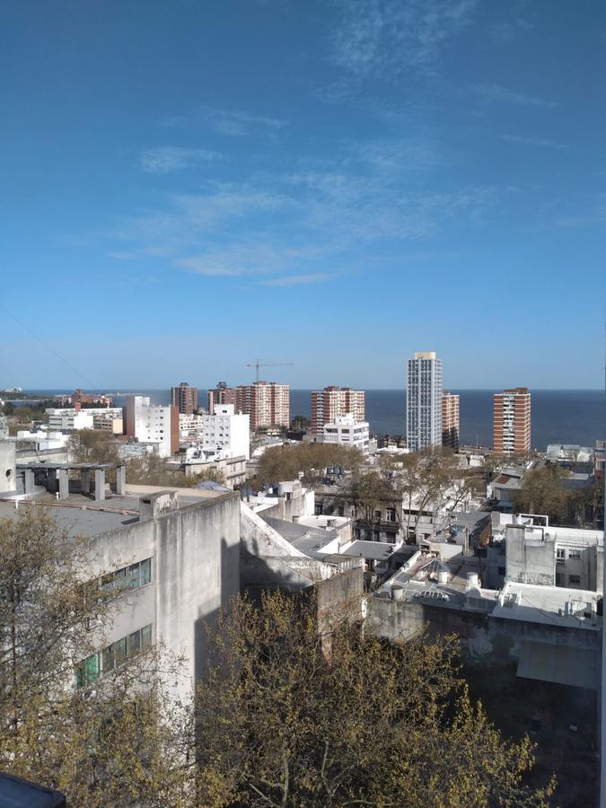 Foto Oficina en Alquiler en  Centro (Montevideo),  Montevideo   CANELONES ESQ RÍO NEGRO