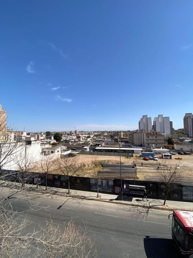 Foto Departamento en Venta en  Nueva Cordoba,  Cordoba Capital  Av. Velez Sarsfield al 1100