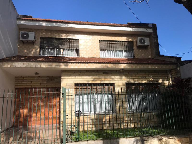 Foto Casa en Venta en  Lomas de Zamora Oeste,  Lomas De Zamora  ALVAREZ THOMAS al 300