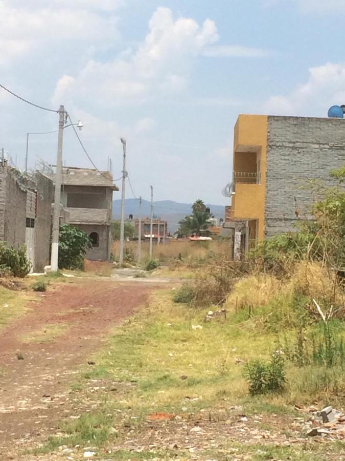 Foto Terreno en Venta |  en  Camino al Jericó,  Zamora  Terreno en Fracc. Riveras del Jerico