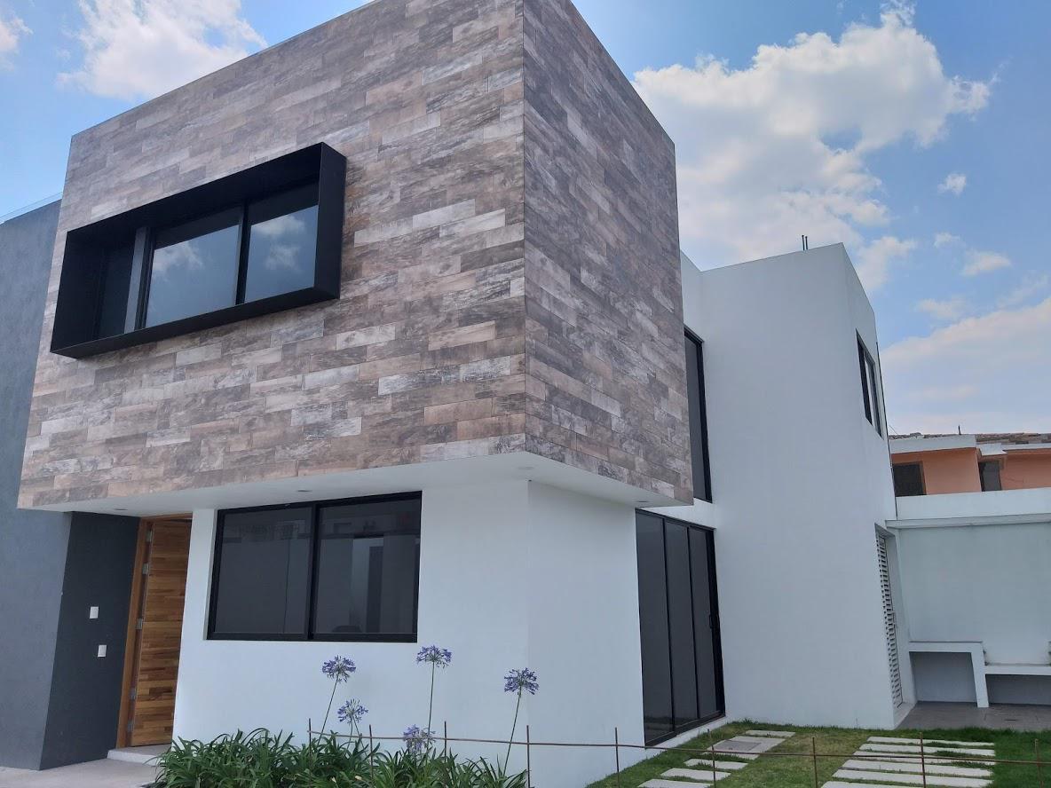 Foto Casa en Venta en  Santa María Totoltepec,  Toluca  CASA NUEVA EN PREVENTA