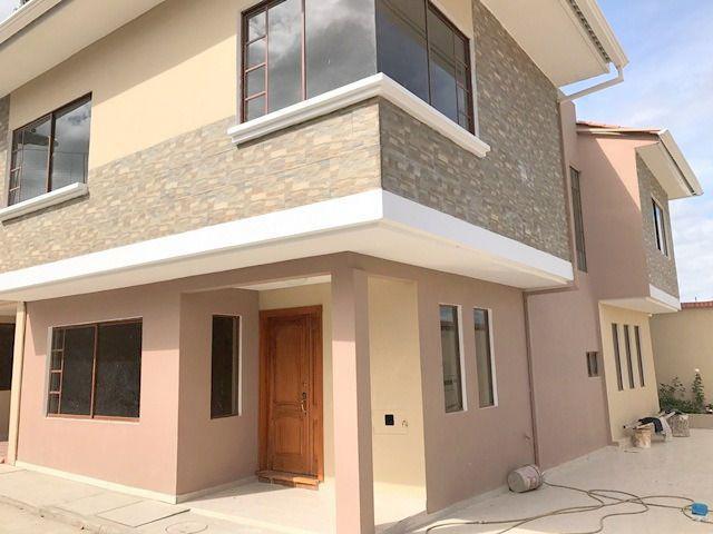 Foto Casa en Venta en  San Joaquín,  Cuenca  Medio Ejido