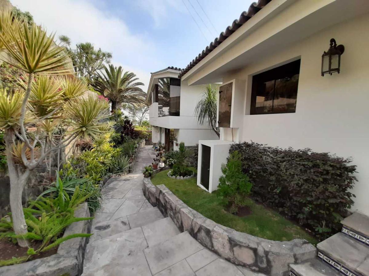 Foto Casa en Venta en  Santiago de Surco,  Lima  Calle Las Laderas