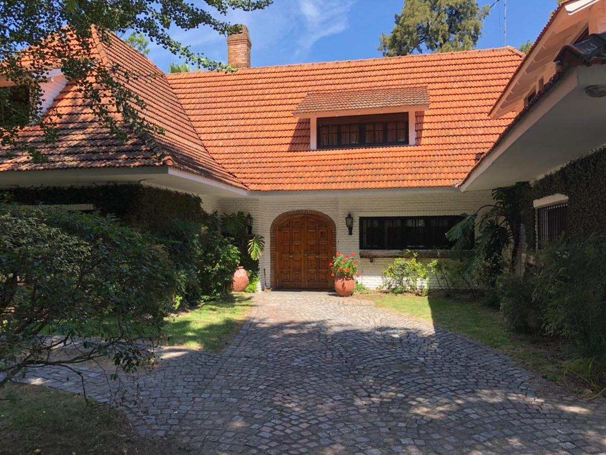 Foto Casa en Venta en  Countries/B.Cerrado (San Isidro),  San Isidro  Carlos Gardel al 900