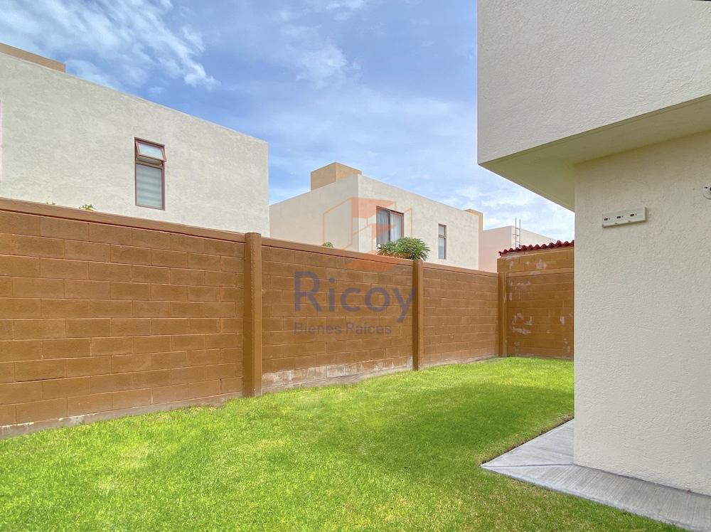Foto Casa en Renta en  Fraccionamiento Puerta Real,  Corregidora  Villa del Real
