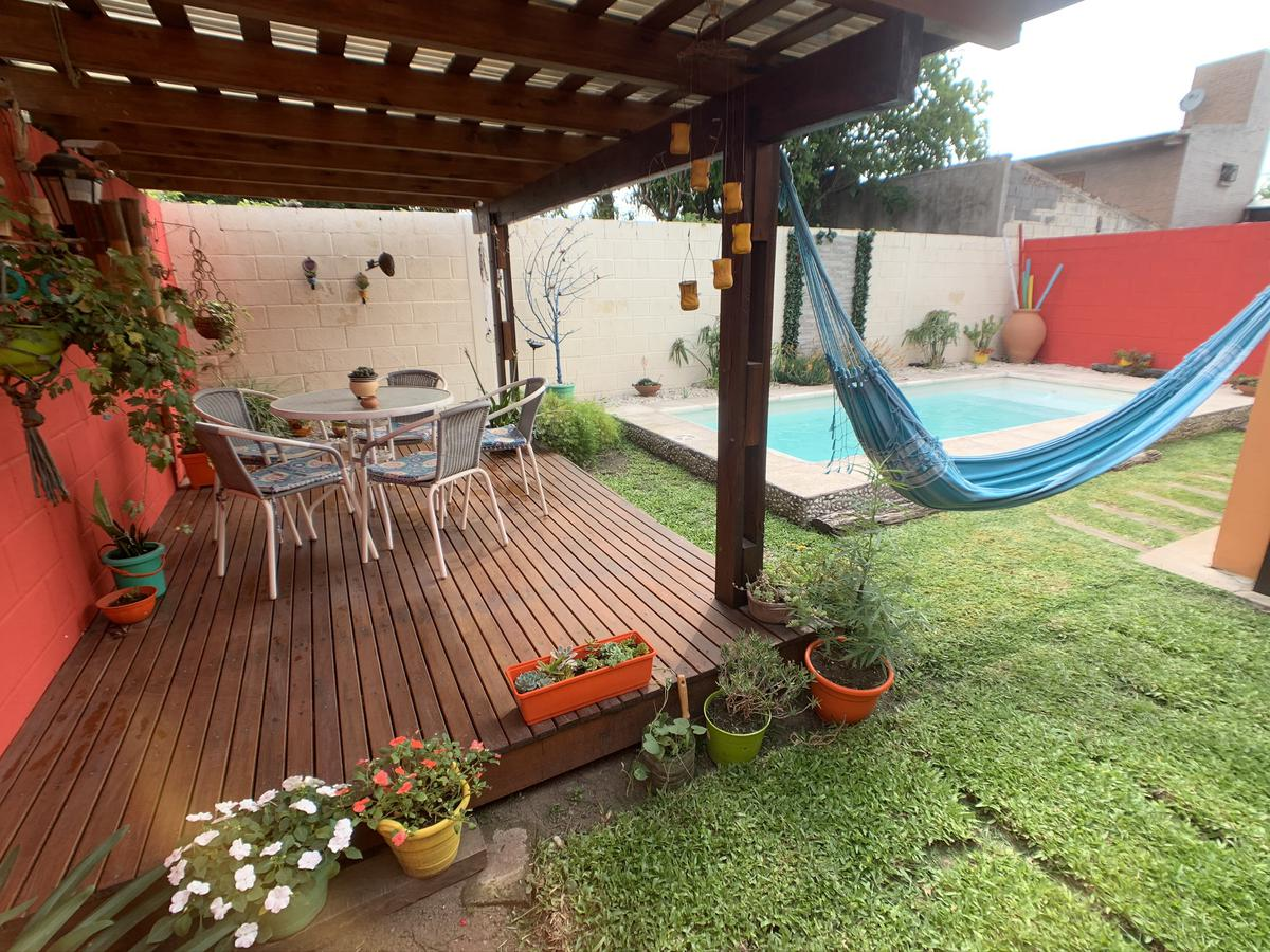 Foto Casa en Venta en  Manantiales ,  Cordoba Capital  Magdalena M. de Arias 5932