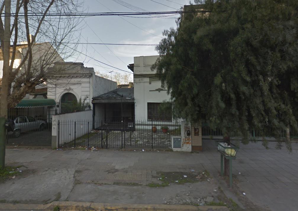 Foto Casa en Venta en  Lomas de Zamora Este,  Lomas De Zamora  Avenida Almirante Brown al 2200