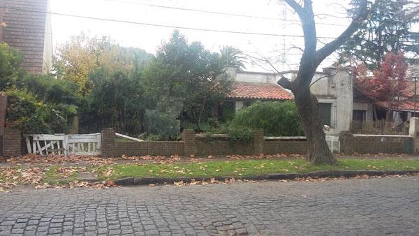 Foto Terreno en Venta en  Adrogue,  Almirante Brown  LA ROSA nº 1019, entre Rosales y Plaza Azopardo