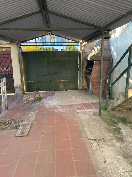 Foto Casa en Alquiler en  Lomas De Zamora ,  G.B.A. Zona Sur  Jaureche 2572