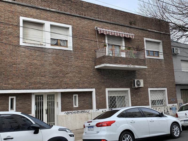 Foto Departamento en Venta en  Lomas de Zamora Oeste,  Lomas De Zamora  SAENZ 520 1ºD