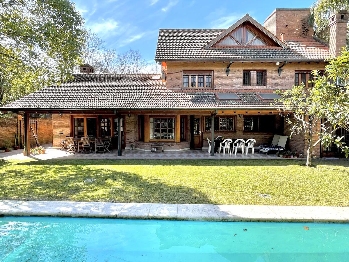 Foto Casa en Venta en  Mart.-Vias/Libert.,  Martinez  Lavalle 2507