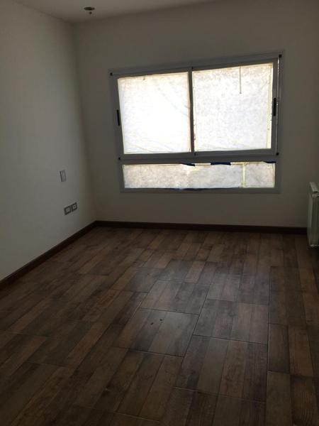 Foto Departamento en Venta en  La Lucila-Vias/Maipu,  La Lucila  Tucuman al 3700