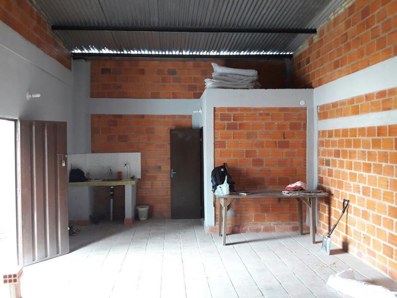 Foto Depósito en Alquiler en  Virgen de la Asunción,  Santisima Trinidad  Avda Artigas
