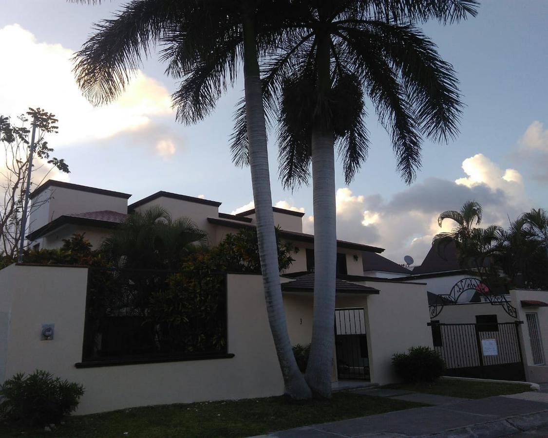 Foto Casa en Renta en  Campestre,  Cancún  Campestre