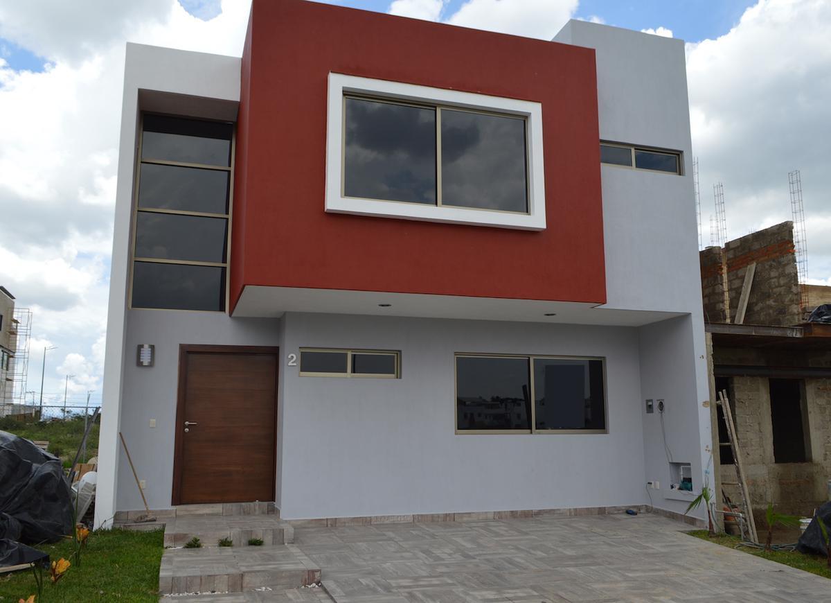 Foto Casa en Venta en  Fraccionamiento Los Almendros,  Zapopan  Av Rio Blanco 1900 2 Fracc. Argenta