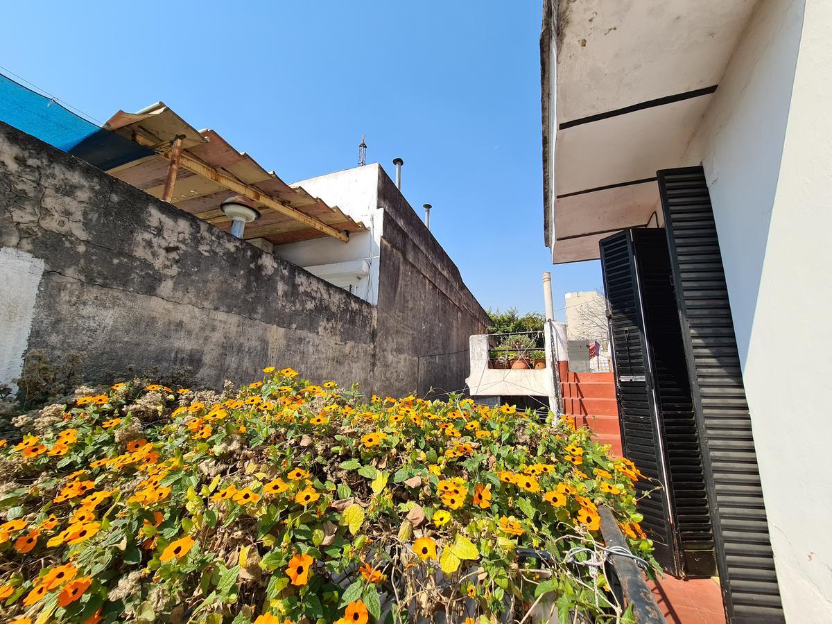 Foto Casa en Venta en  Luis Agote,  Rosario  Casa en Venta de 3 Dormitorios con Terraza y Parrillero