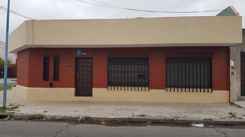 Foto Casa en Venta en  Lanús Oeste,  Lanús  Enrique Fernandez 910