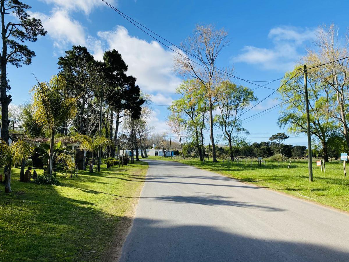 Foto Terreno en Venta en  Costa Del Este ,  Costa Atlantica  Los Pensamientos entre  Av 5 y Los Girasoles  -  Lote 32