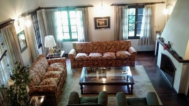 Foto Casa en Venta en  Adrogue,  Almirante Brown  ROSALES nº 869, entre Italia y Uriburu