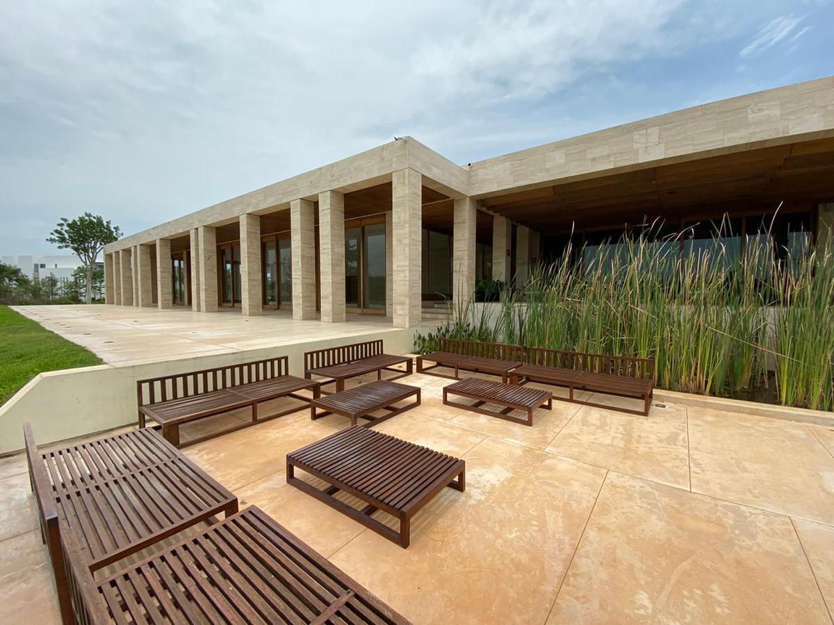 Foto Terreno en Venta en  Pueblo Temozon Norte,  Mérida  Terreno en Cabo Norte (Gaeta) 218 m2.