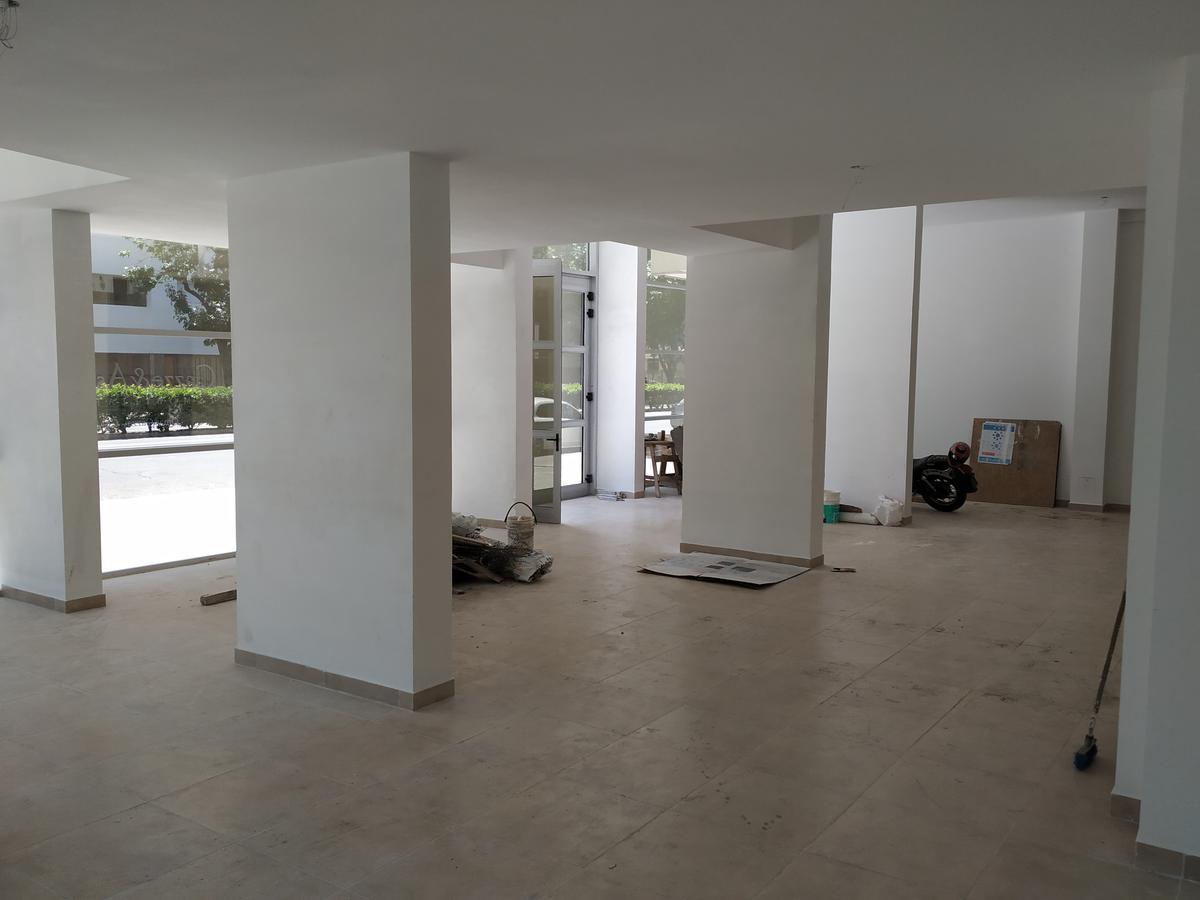 Foto Local en Alquiler en  Rosario ,  Santa Fe  Pellegrini 600