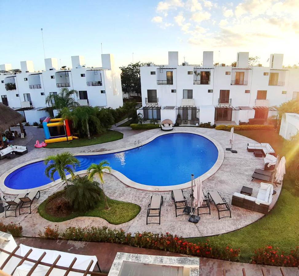 Foto Casa en Venta en  Playa del Carmen,  Solidaridad  3 REC CON ACCESO DIRECTO A LA ALBERCA