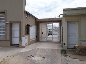 Foto Departamento en Alquiler en  Cañuelas,  Cañuelas  25 de Mayo al 800