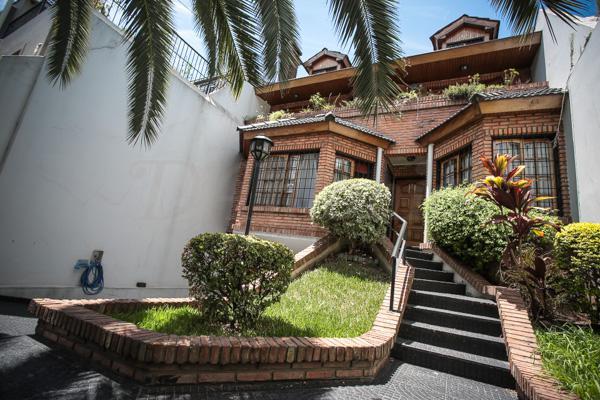 Foto Casa en Venta en  Flores ,  Capital Federal  Portela al 300