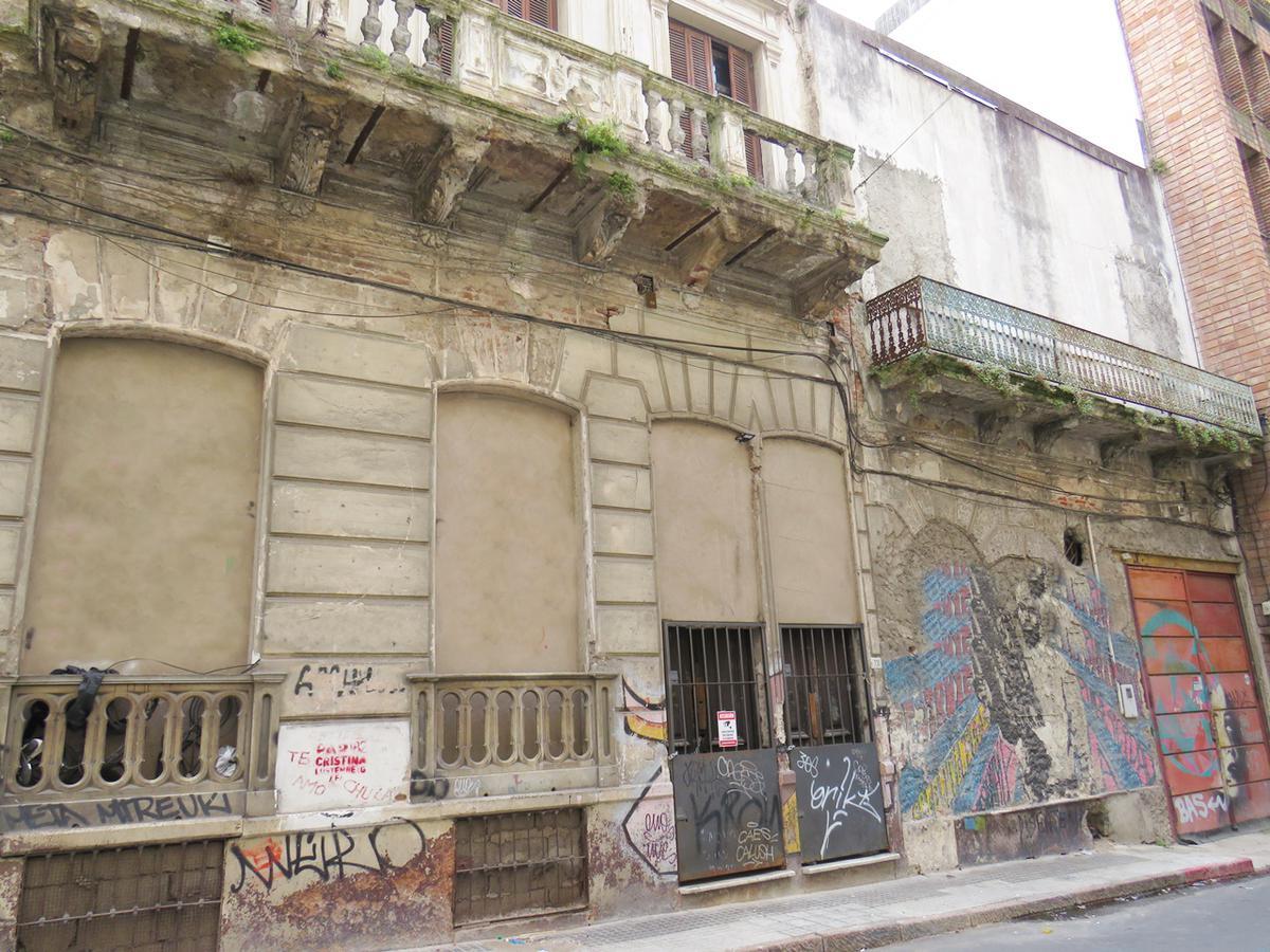 Foto Casa en Venta en  Ciudad Vieja ,  Montevideo  Paraná al 700