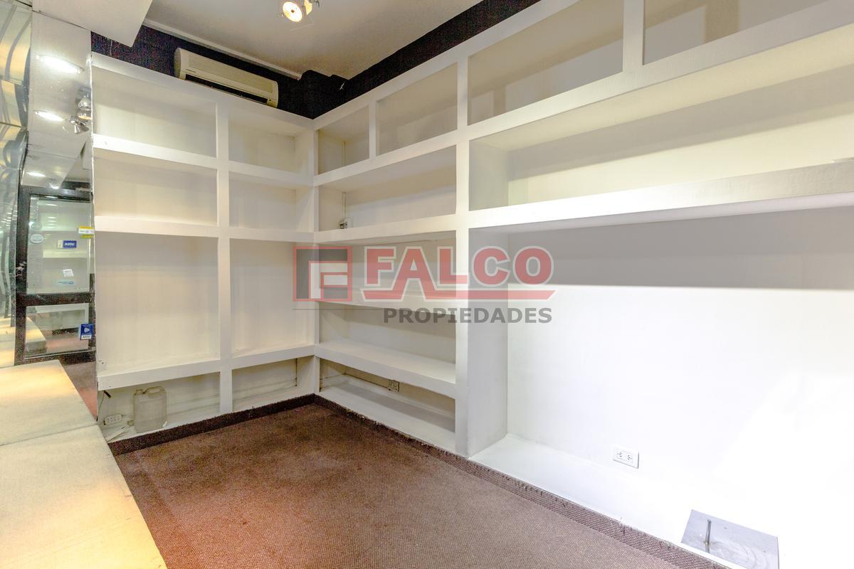 Foto Local en Venta | Alquiler en  Flores ,  Capital Federal  Rivadavia al 6400
