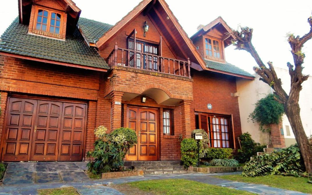 Foto Casa en Venta en Larralde al 2800, G.B.A. Zona Oeste | Moron | Castelar