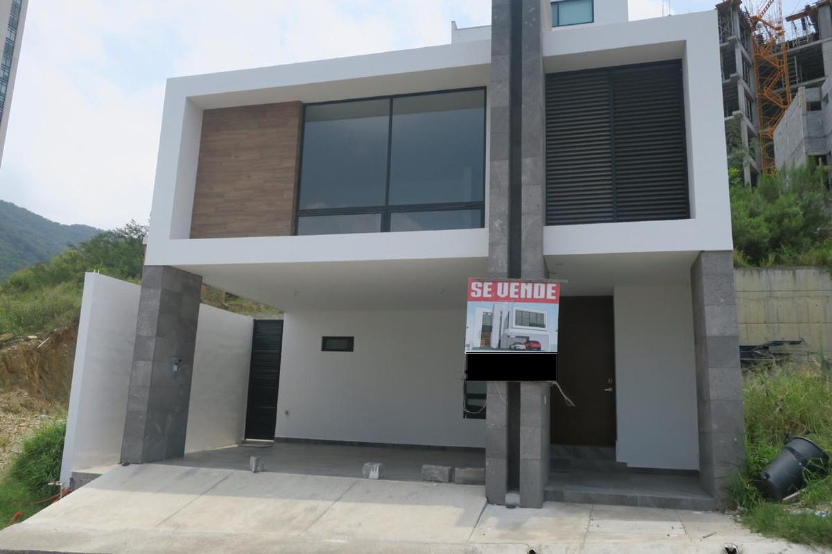 Foto Casa en Venta en  Jardines del Paseo 2 Sector,  Monterrey  VENTA CASA VALLE ORIENTE