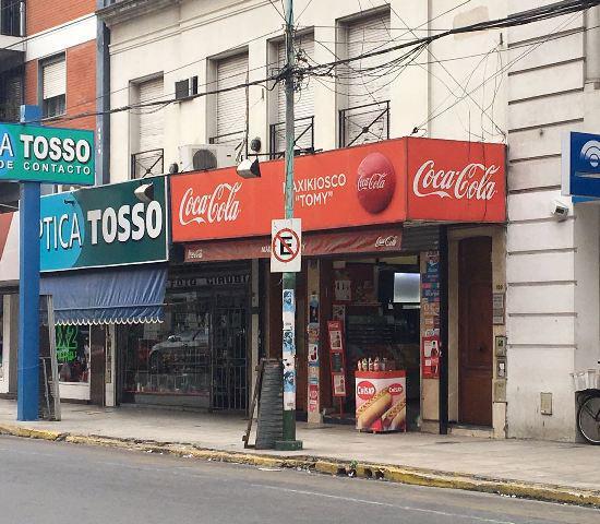 Foto Local en Alquiler en  Lomas de Zamora Oeste,  Lomas De Zamora  Av. Meeks N° al 100