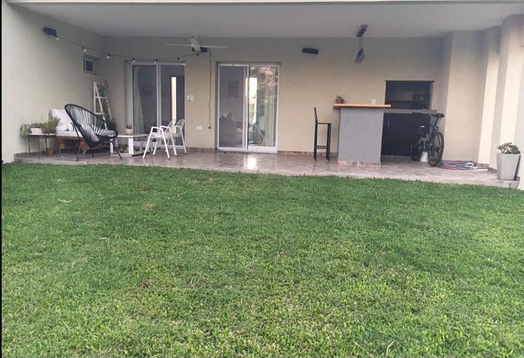 Foto Casa en Venta en  Santa Guadalupe,  Pilar Del Este  Av. Dr. Honorio Pueyrredón 5209