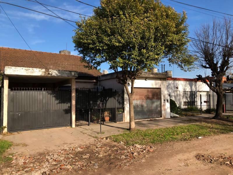 Foto Casa en Venta en  San Miguel,  San Miguel  Francisco J Muñiz  al 1900