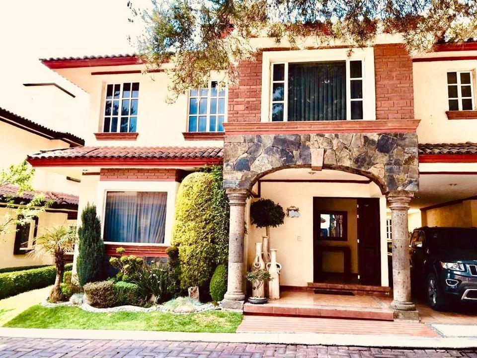 Foto Casa en condominio en Venta en  Metepec ,  Edo. de México  CASA DE CAMPO FRACCIONAMIENTO ARBOLADO Y TRANQUILO POR LA ZONA DEL COLEGIO ARISTOS