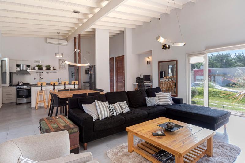 Foto Casa en Venta en  Costa Esmeralda ,  Costa Atlantica  Barrio Residencial I, Costa Esmeralda