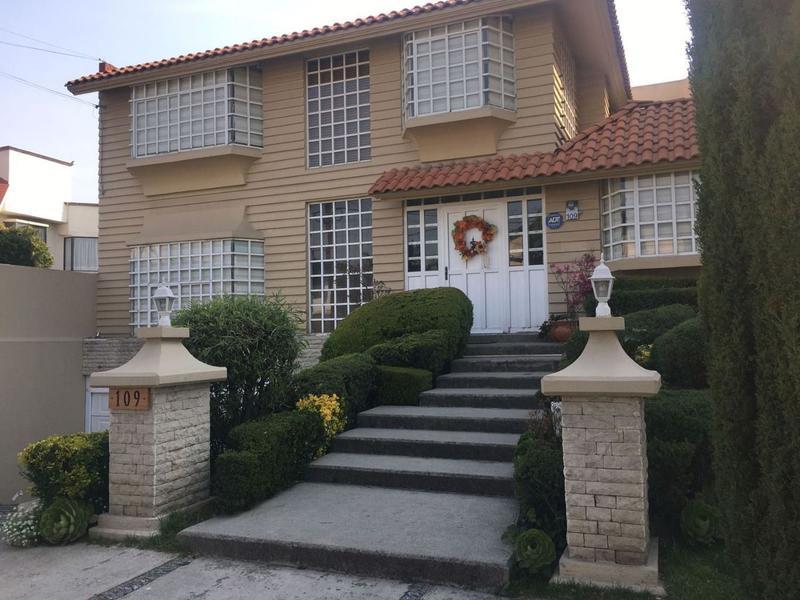 Foto Casa en Venta | Renta en  San Carlos,  Metepec  HERMOSA CASA EN VENTA  EN SAN CARLOS, METEPEC