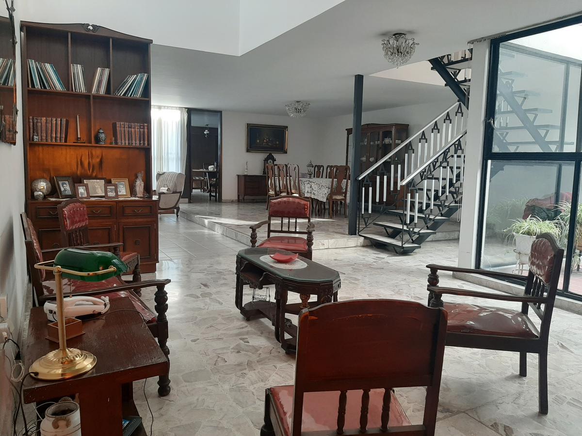 Foto Oficina en Renta en  Zona Centro,  Aguascalientes  Renta Casa Céntrica super ubicada para consultorios u oficinas