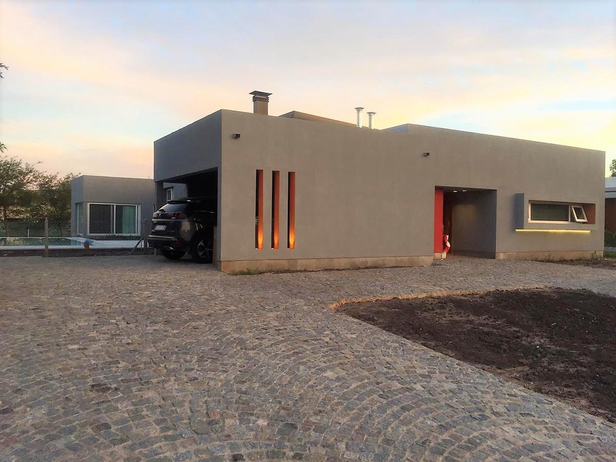 Foto Casa en Venta en  Lomas del City Bell,  Countries/B.Cerrado (La Plata)  Lomas del City Bell