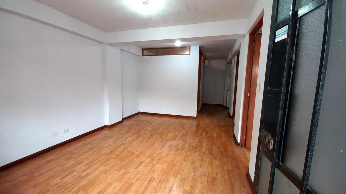 Foto Departamento en Alquiler en  Santiago de Surco,  Lima  Jr Loma de las Gardenias