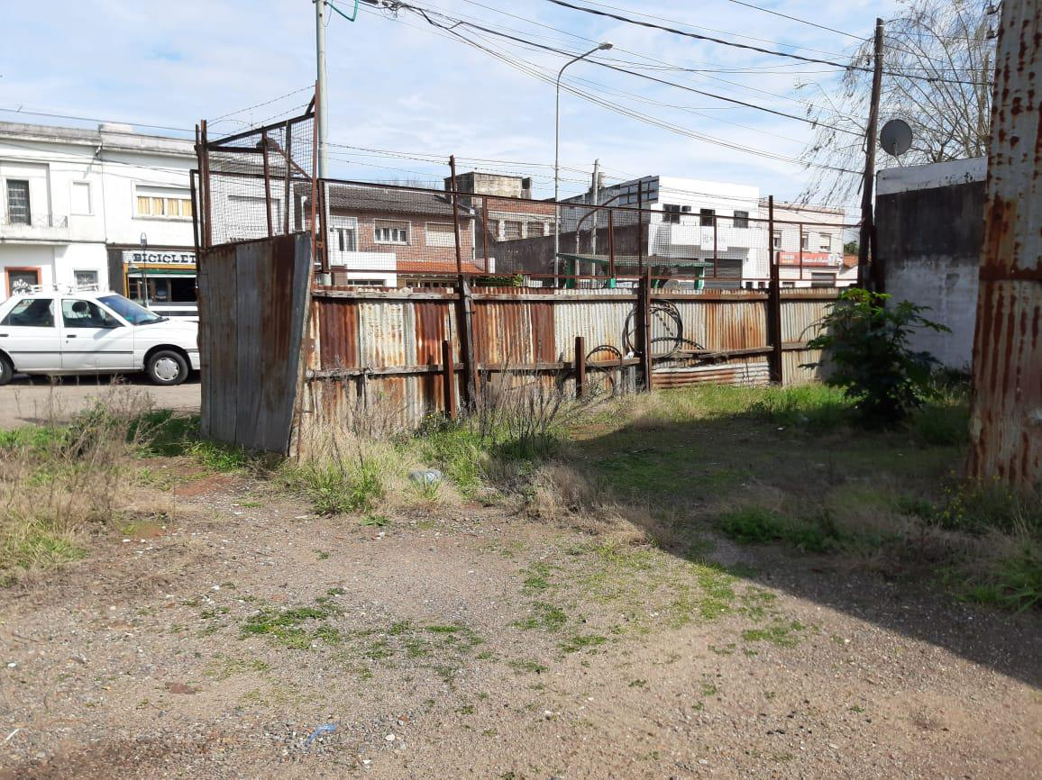 Foto Galpón en Alquiler | Venta en  La Plata ,  G.B.A. Zona Sur  al 100