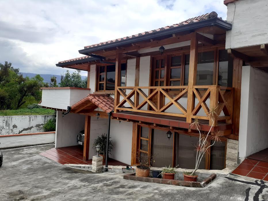 Foto Casa en Venta en  Los Chillos,  Quito  Alfredo Davila y Calceta