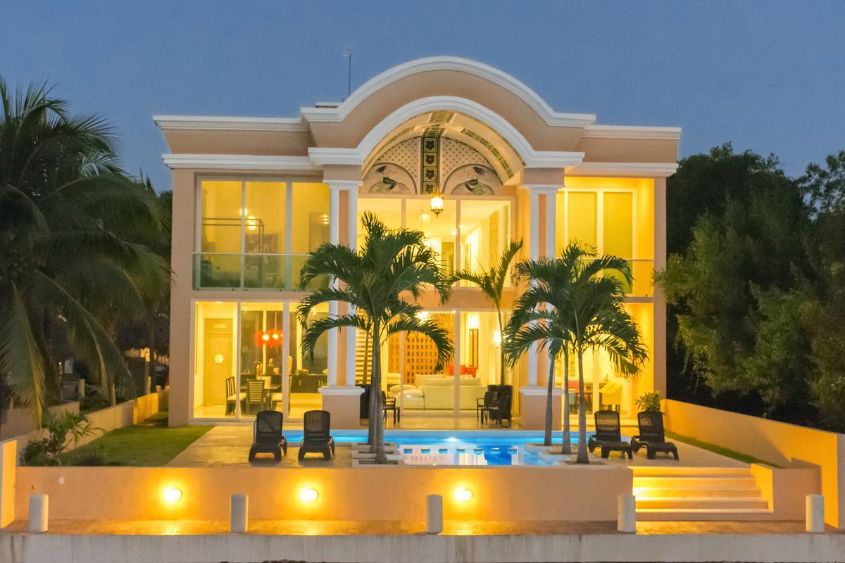 Foto Casa en Venta en  Playa del Carmen ,  Quintana Roo  Puerto Aventuras