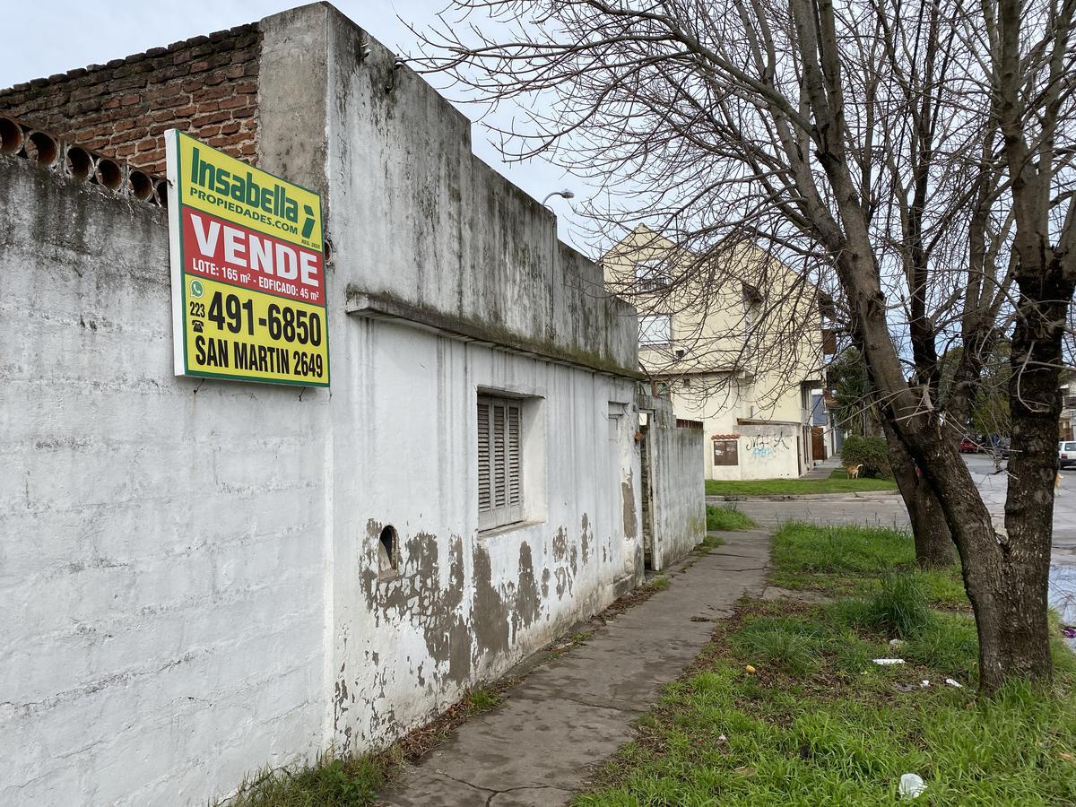 Foto Casa en Venta en  Los Andes,  Mar Del Plata  Bolivar Nº 5697 esquina  Tierra del Fuego 2096