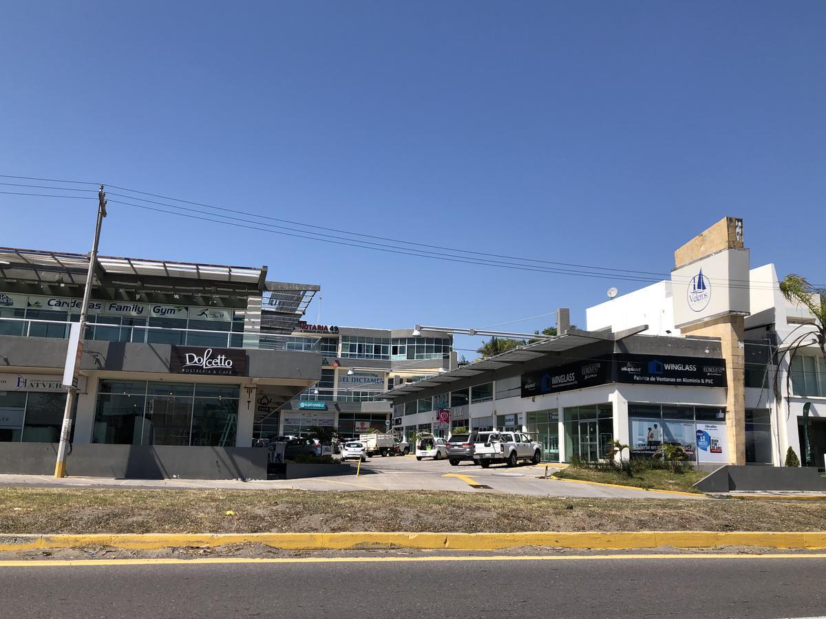 Foto Oficina en Venta en  La Riviera Veracruzana,  Alvarado  PLAZA VELEROS, Oficina en VENTA y RENTA sobre el Blvd. de la Riviera Veracruzana